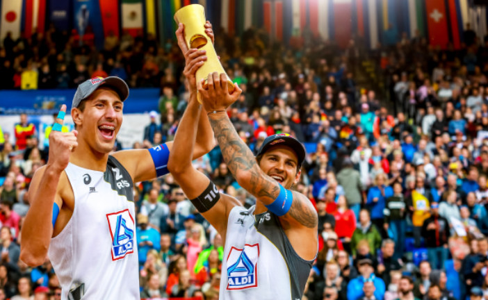 Золотые пески: российские волейболисты впервые выиграли чемпионат мира